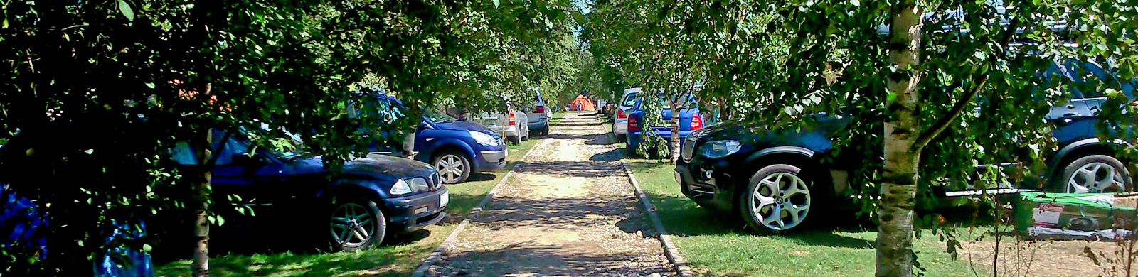 Parking na ternenie campingu